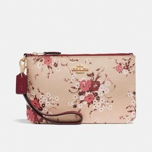 Coach Small Wristlet w/floral Bundle Print